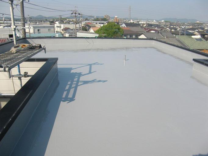 屋上防水改修工事の工事写真