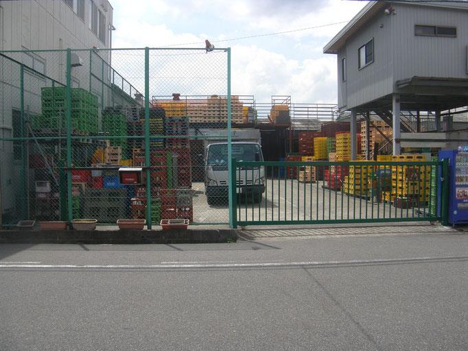 鉄製門扉新設工事の工事写真