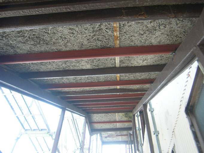 倉庫大規模改修工事の工事写真