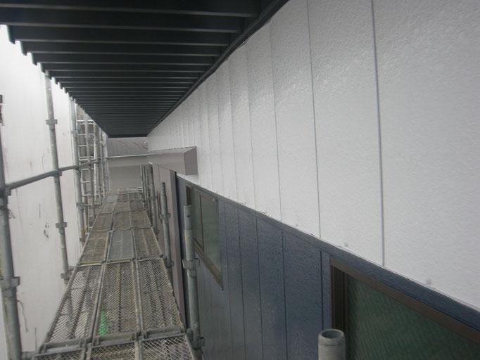 倉庫棟の改修工事の工事写真