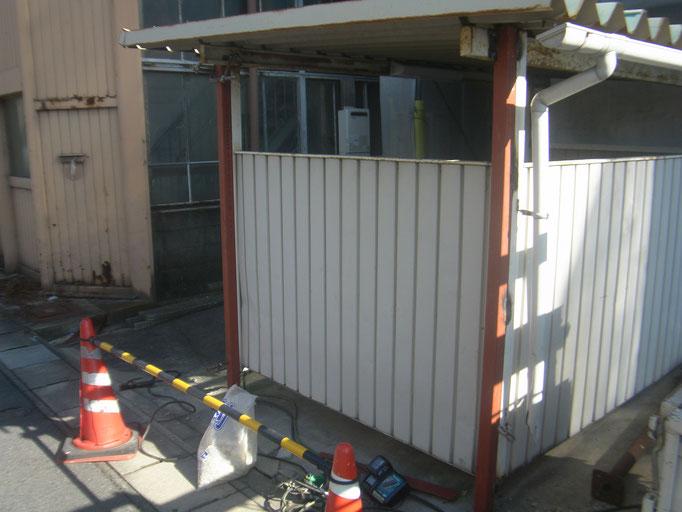 駐輪場柱補強工事の工事写真