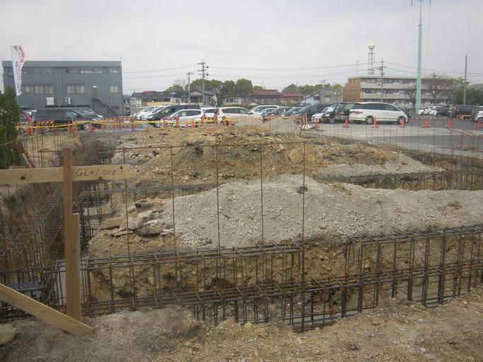 倉庫新築工事の工事写真