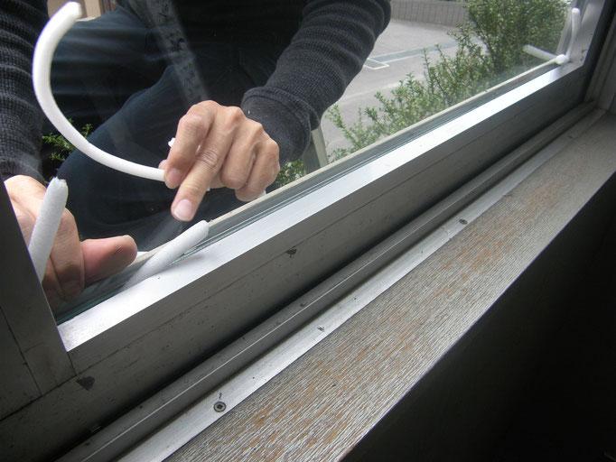 事務所窓ガラス修理の工事写真