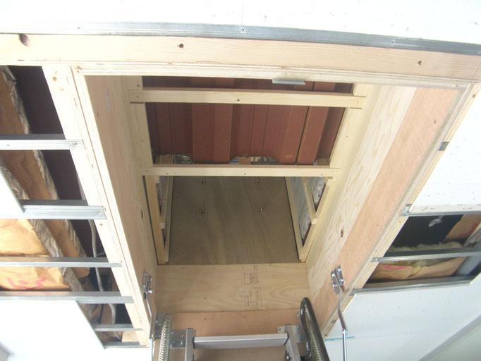 屋上昇降設備新設工事の工事写真