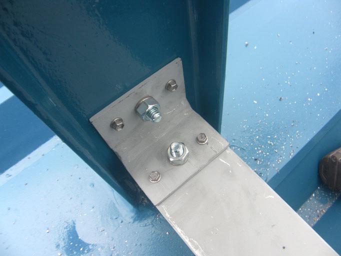 アルミ製階段継手工事の工事写真