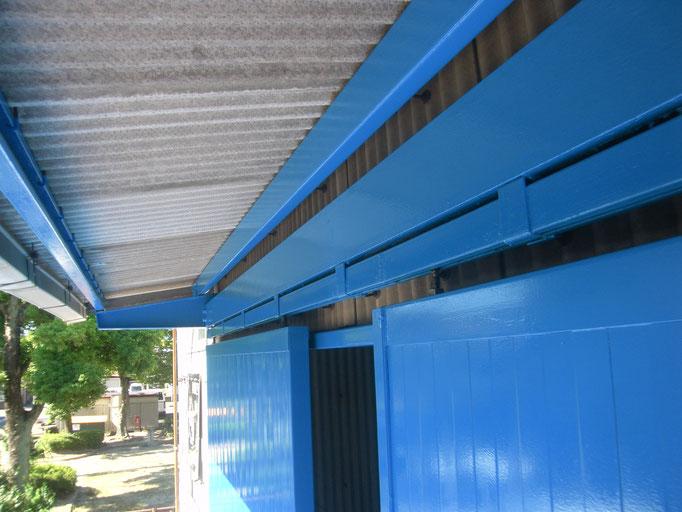 ハンガードア改修工事の工事写真