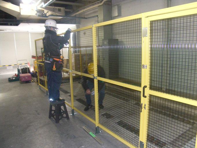 アルミ製安全柵新設工事の工事写真
