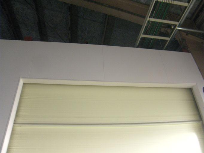 リフト破損の内装修理の工事写真