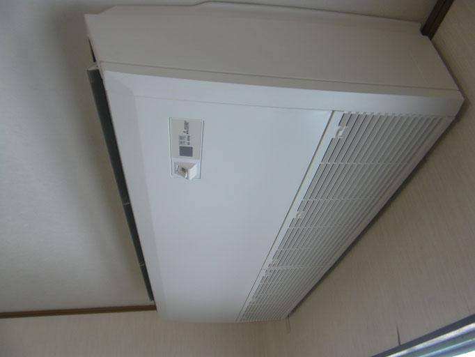 食堂エアコン改修工事の工事写真