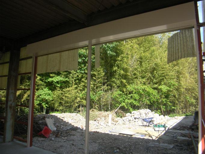 2連装シャッター新設工事の工事写真