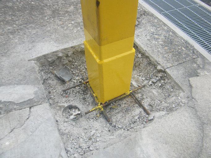 鉄骨柱腐食穴補強工事:工事写真
