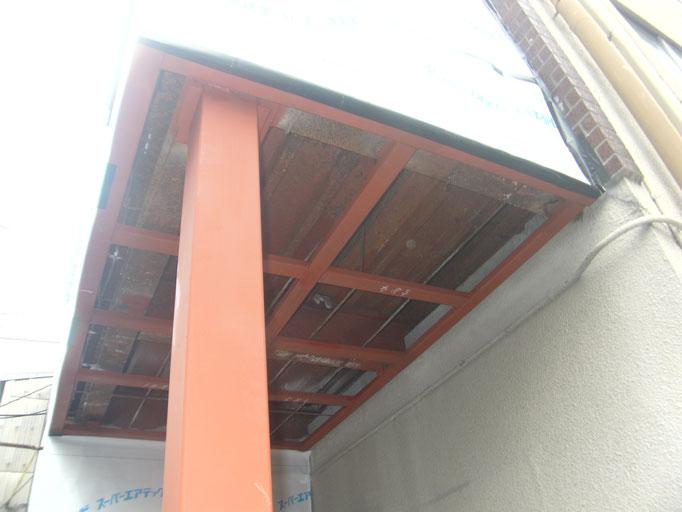 階段踊り場補強鉄骨:工程写真
