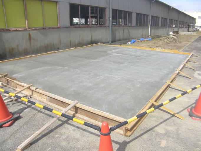 屋外機械基礎新設工事の工事写真