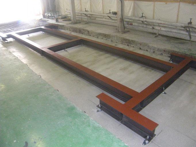 機械基礎鉄骨土台:工事写真