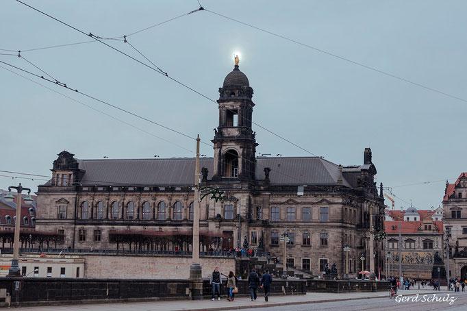 Die heilige Saxonia auf dem Ständehaus in Dresden