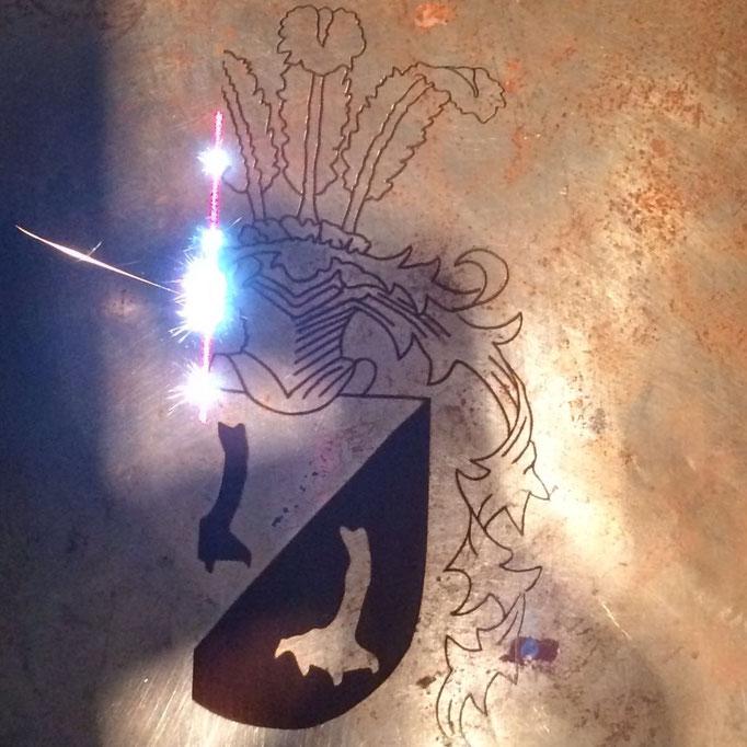 Lasergravur auf Ritterrüstung