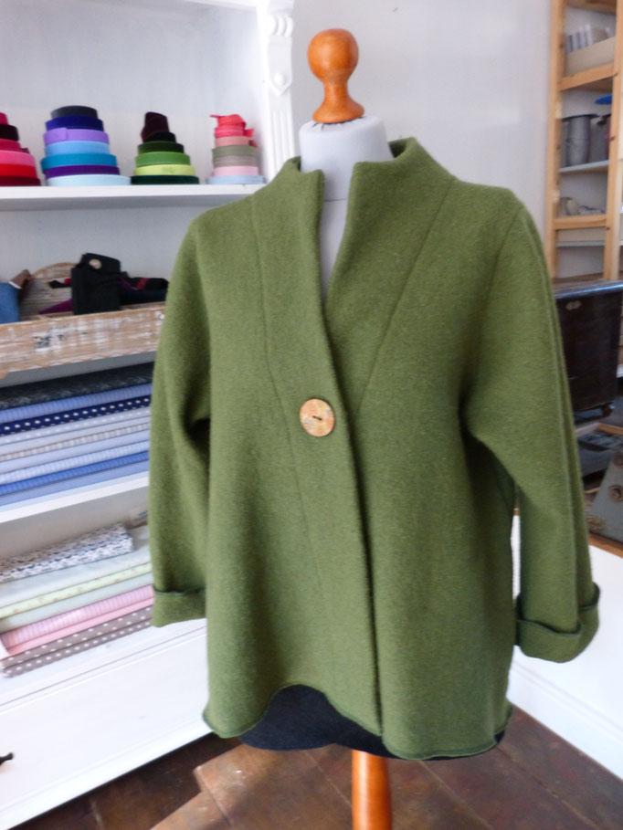 Walkjacke dunkelgrün 100% Schurwolle Größen S-L 99,00€