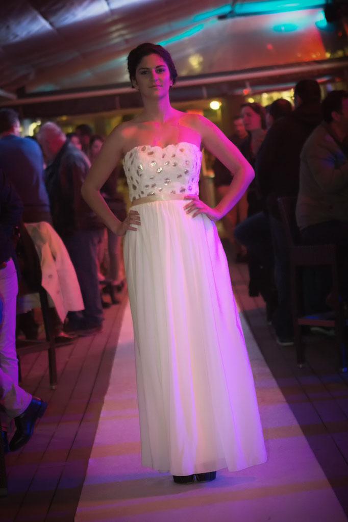 robe de mariée bustier dentelle avec sequin et mousseline