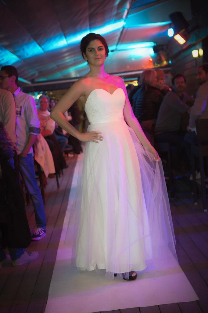 robe de mariée bustier de créateur, dentelle et tulle
