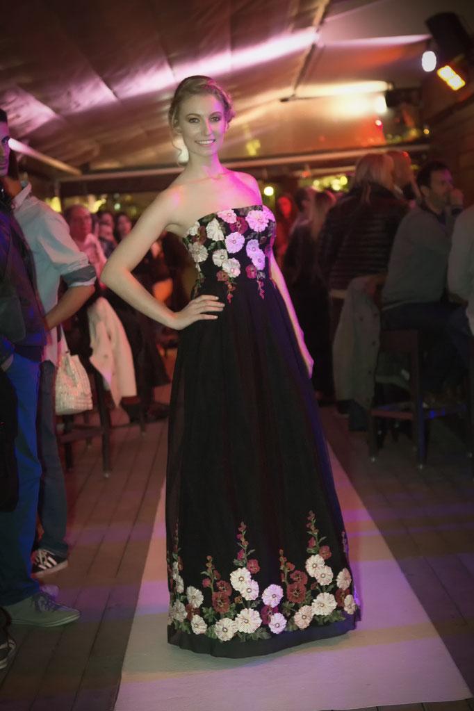 robe de soirée longue bustier tulle brodé