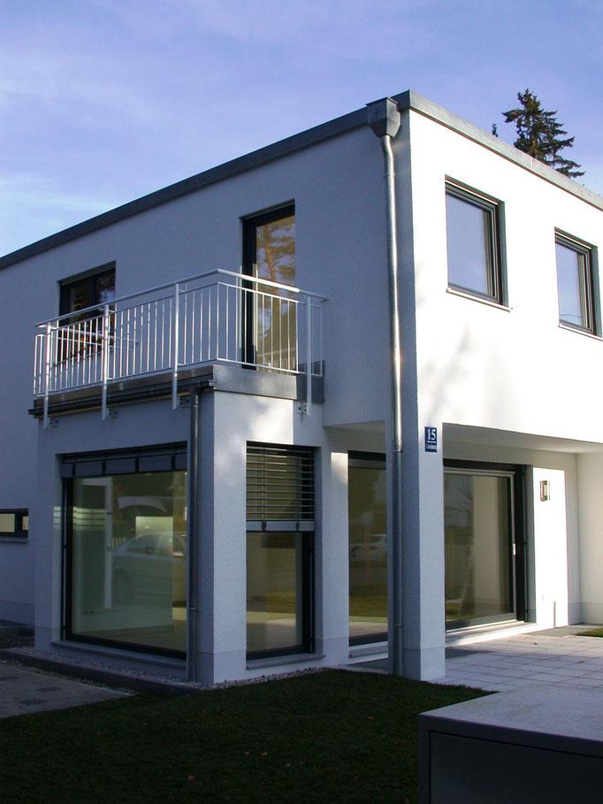 2 DHH in Bauhaus-Architektur, München Waldtrudering