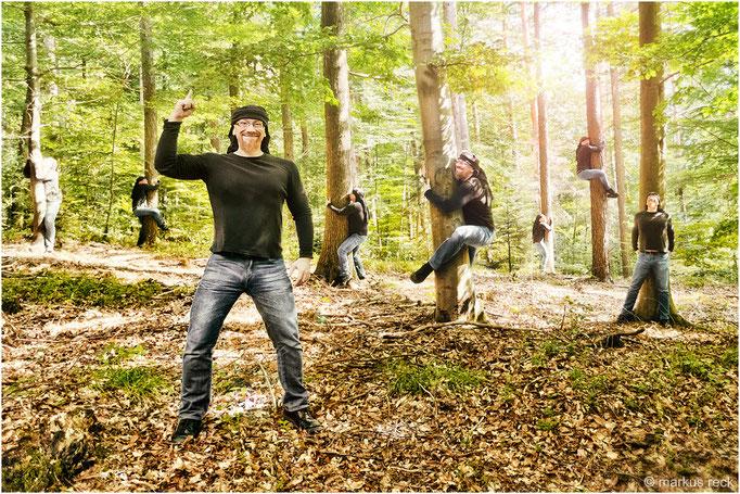 """Am kommenden Wochenende laden wir einmal mehr zu unserem beliebten Seminar """"BÄUME UMARMEN"""" ins schöne Baden-Baden ein. Bei schlechtem Wetter findet das Seminar indoor statt. Die Teilnehmer werden gebeten, ihren eigenen Baum mitzubringen."""