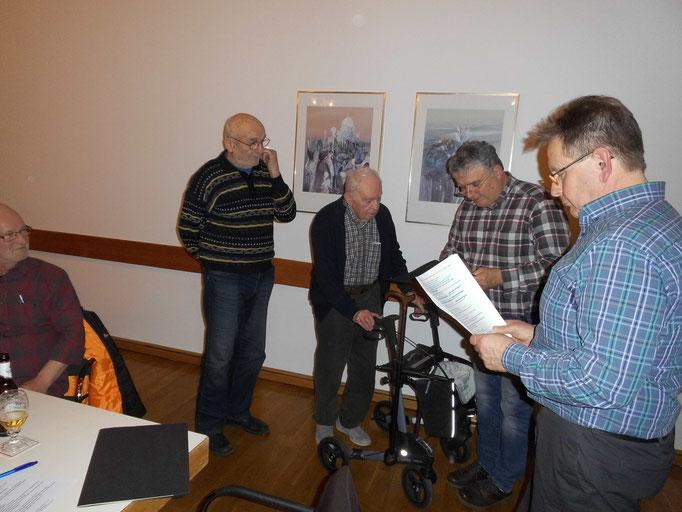 Otto Busch wird zum Ehrenmitglied ernannt