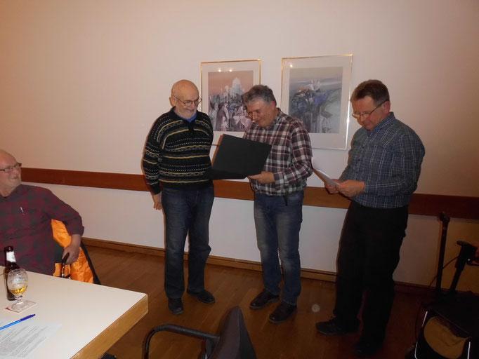 Johannes Teller wird zum Ehrenmitglied ernannt
