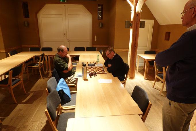 Die letzte Partie des Abends spielten Axel Chmielewski und Rudolf Angeli.
