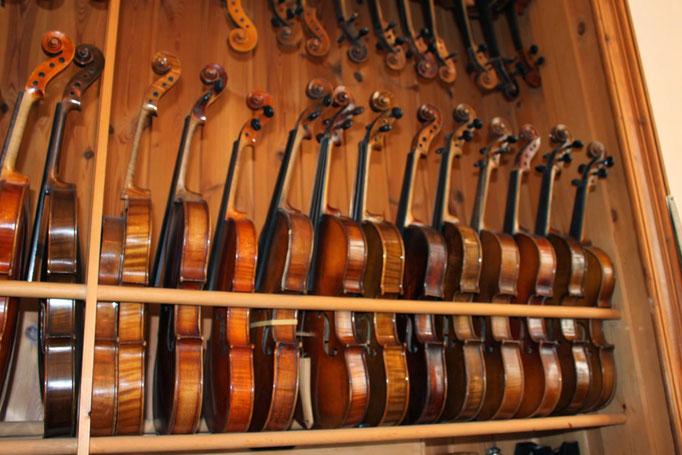2013 Leerlingen op bezoek bij Rijsemus vioolbouwer