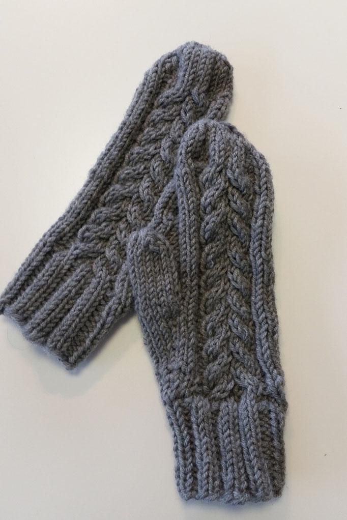 warme Handschuhe aus Big Merino von Drops