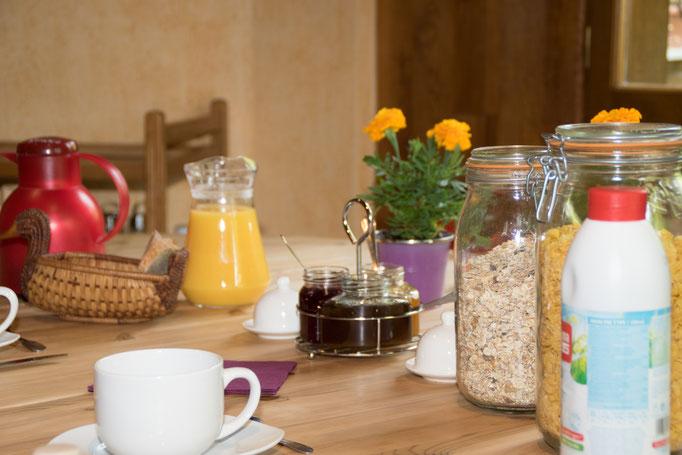 Céréales bio, confitures maison, pain de tradition… profitez du petit matin en Dordogne