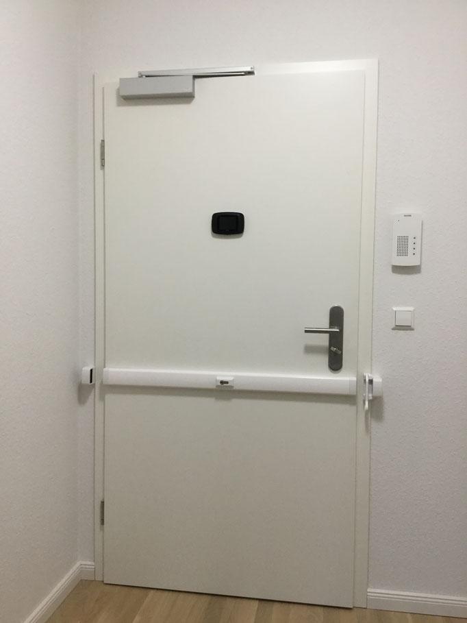 Panzerriegel Hamburg – Mit welchen Produkten kann ich meine Tür am effektivsten schützen? Beispiele Einbau Panzerriegel Hamburg_06