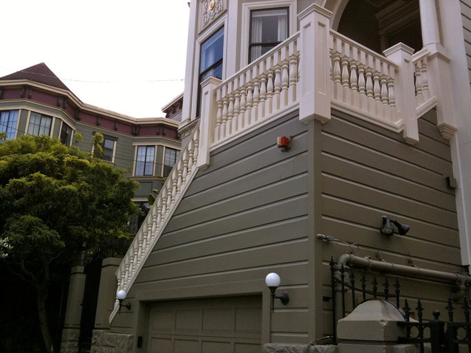 Front entry balustrade