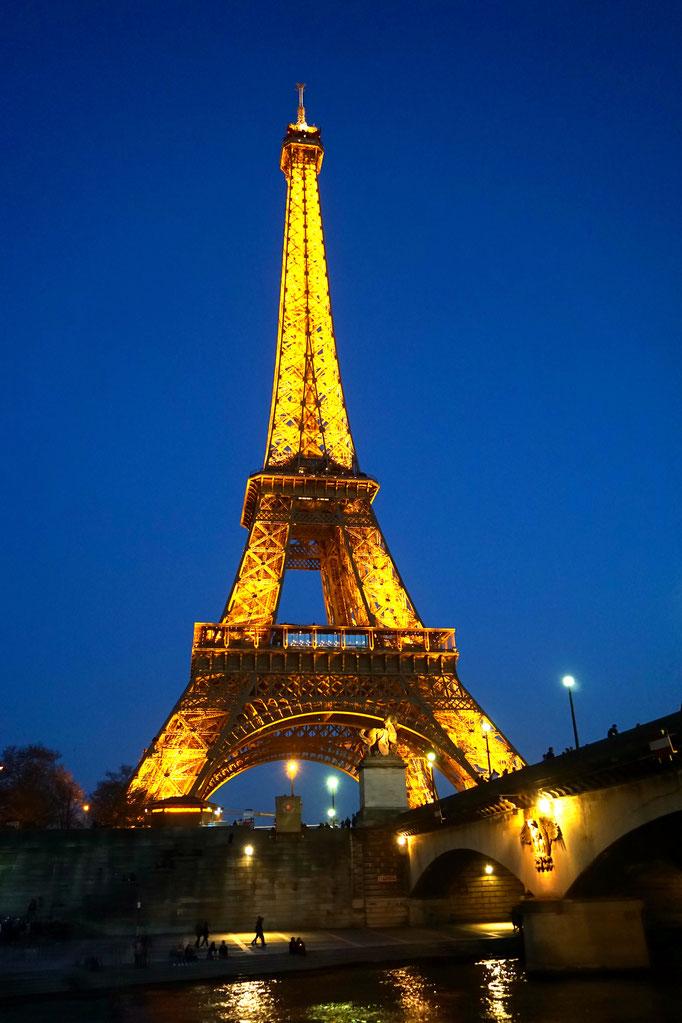 Wow !! Paris bei Nacht