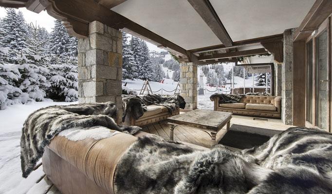 Die besten Luxus Skihütten - Luxus Chalet für 10 - Mondäne Luxus Chalets - Luxus Ski Reisen - in grandioser Lage, Ski in Ski Out, z. B. Courchevel, Verbier, Lech, Kitzbühel - Snowtrade Royale
