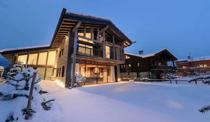 Luxus Chalets in erhabener Lage, Ski in Ski Out, z. B. Courchevel, Verbier, Lech, Kitzbühel - Snowtrade Royale