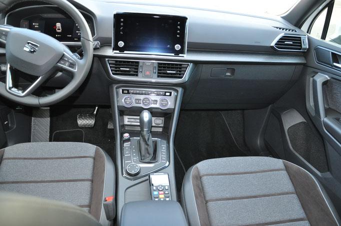 Seat Tarraco Demofahrzeug mit Standby W3 Lichtbalken