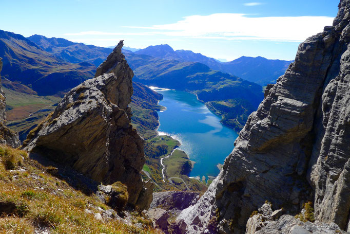 Lac de Roselend vu depuis le canyon du Roc du Vent
