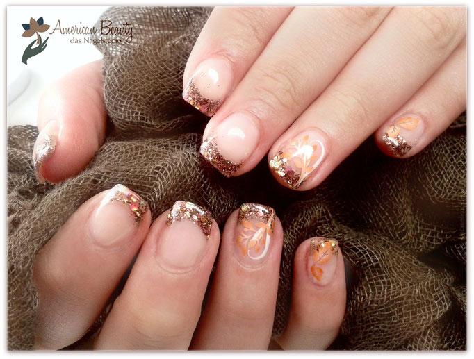 'Herbst Ge-Glitzt' - Gel Modellage mit Airbrush Design