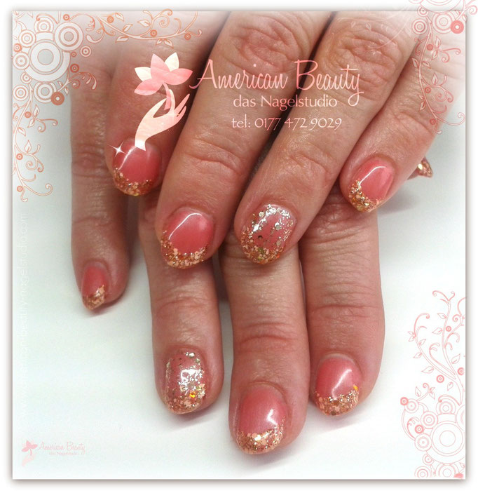 Gel Nägel: Golden Glimmer & Glitzer