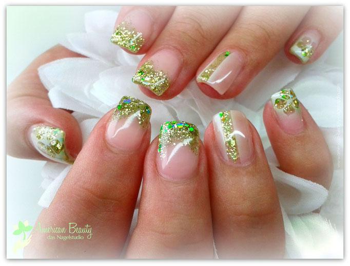 'Smaragd Shimmer' - Gel Modellage mit Glitzer & Airbrush Design
