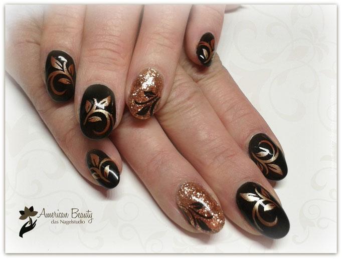 'Herbst Eleganz' - Gel Modellage mit Airbrush Design