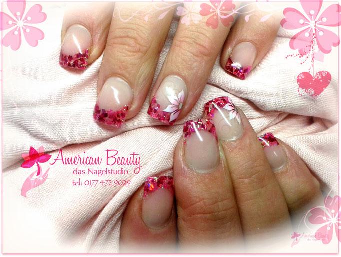 'Pretty in Pink' - Gel Nägel: Mit Glitzer Spitze & Airbrush Design