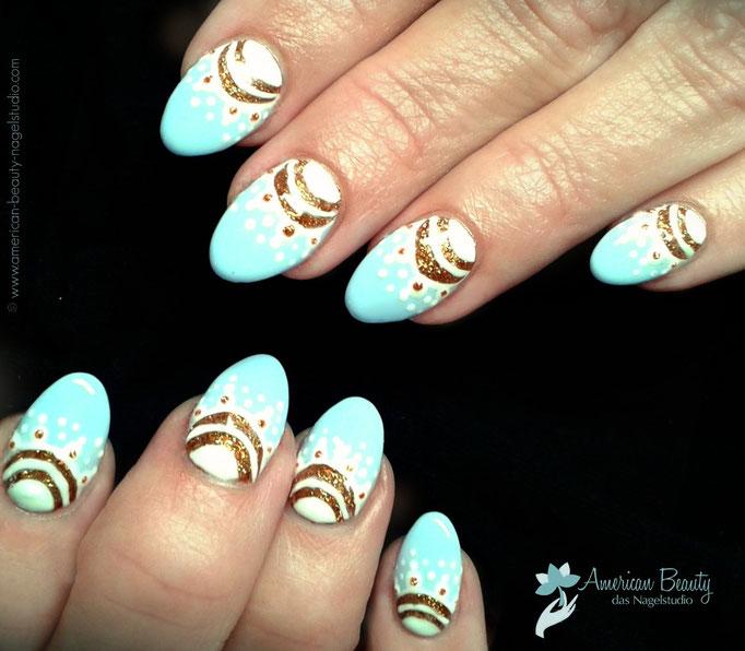 'Fabergé-Eier' - Gel Modellage mit Handmalerei