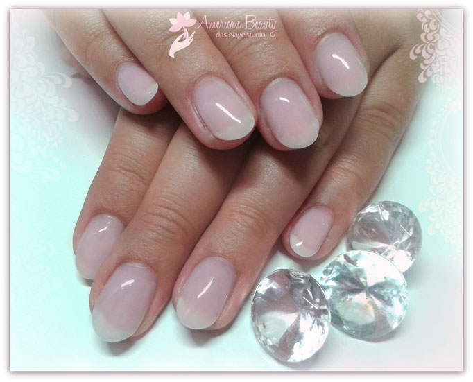 ' Schlicht & Sexy ' - Gel Modellage mit Light Babyboomer Effekt