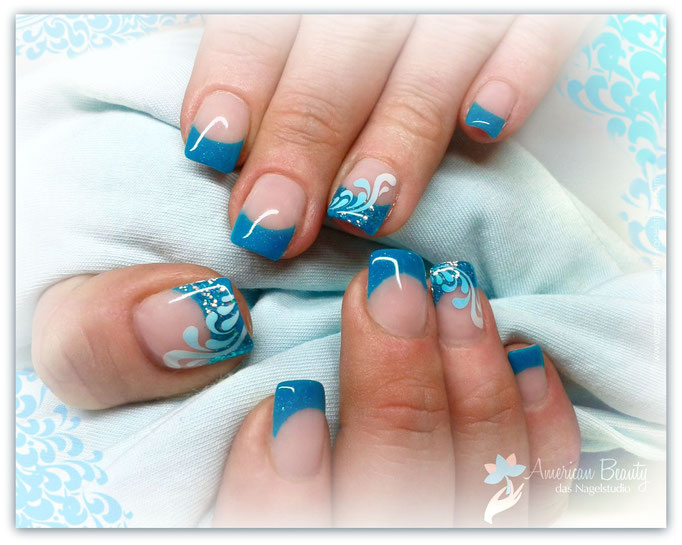 'Abstrakt Blue' - Gel Modellage mit Airbrush Design