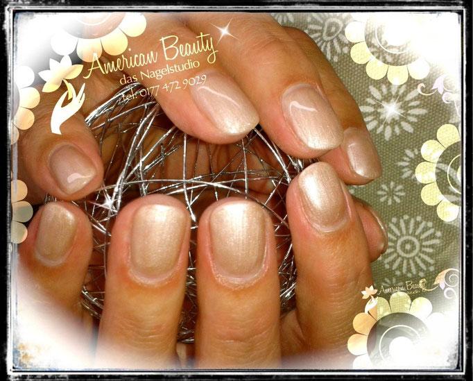 Gel Nägel: Elegant Shimmer