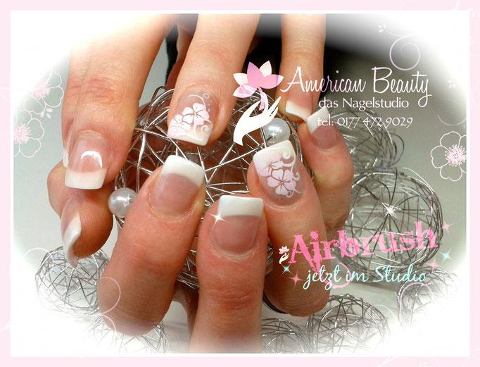 'French mit schöne Blumen' - Acryl Nägel mit Airbrush Design