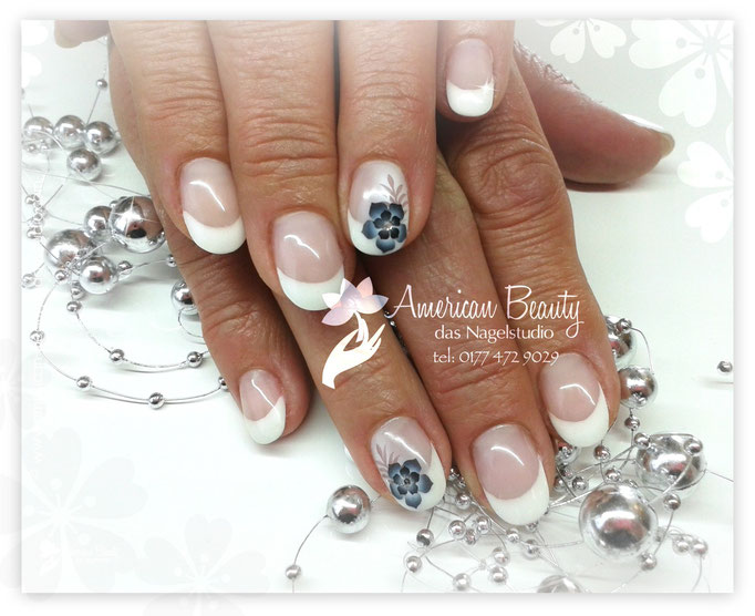 'Black & White' - Gel Modellage mit Airbrush Design